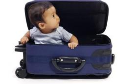 В путешествие с ребенком: собираем детский багаж