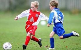 Игра головой в футболе опасна для детей
