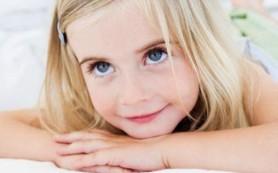 Дети начинают распознавать эмоции с 15 месяцев