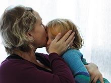 Родительский контроль негативно влияет на отношения подростков со сверстниками