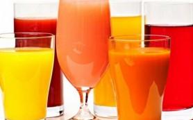 Фруктовые соки рекомендовали исключить из здорового питания детей