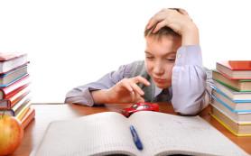 Дети от молодых мам чаще имеют проблемы с обучением в школе