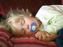 Ребенку не обязательно спать ночью