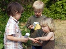Исследователи выяснили, как научить ребенка делиться