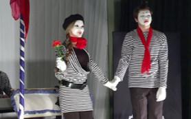 В Смоленске гимназии №4 прошел творческий конкурс среди учеников старших классов