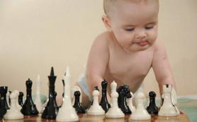 Как развивать ребенка с пеленок