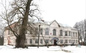 Смоленской школе, расположенной в старинной усадьбе, требуется ремонт