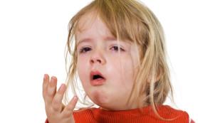 У ребенка сильный кашель: что делать
