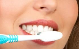 Американские ученые: при беременности нельзя чистить зубы