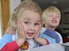 Открытие: двухлетние дети понимают, что громкие звуки могут мешать другим людям