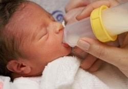 Брат-близнец новорожденного малыша появится на свет только в январе