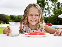 Психические расстройства родителей делают ребенка привередливым в еде