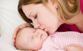 Медики призвали женщин рожать детей, несмотря на возраст