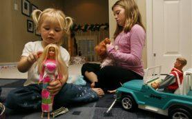 Психологи призывают родителей отказаться от кукол Barbie