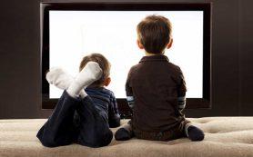 Дети могут заболеть диабетом, если много смотрят телевизор, — ученые