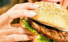 Чем грозит большое количество жирной пищи при беременности
