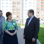 Губернатор Алексей Островский посетил детский сад «Рябинка»