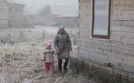 В Руднянском районе строят дом для многодетной семьи