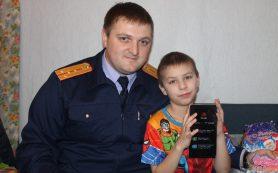 Смоленские следователи вручили подарки детям, оставшимся без матери