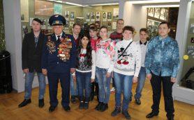 Смоленские активисты ОНФ организовали экскурсию для детей в музей Великой Отечественной войны