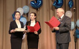Председатель Смоленского горсовета поздравил с 35-летием школу №33