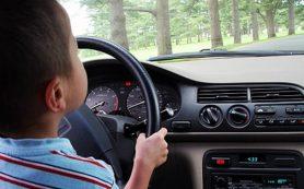 В Смоленской области ребенок за рулем иномарки попал в ДТП