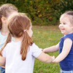 Как помочь ребенку подружиться с другими детьми