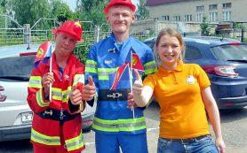 В Смоленской области спасатели проводят для детей экскурсии в пожарные части