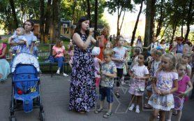 В Смоленске мам призывали кормить грудью