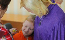 В Смоленской области ищут наставников для детей-сирот