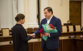 Губернатор Смоленской области наградил многодетных матерей