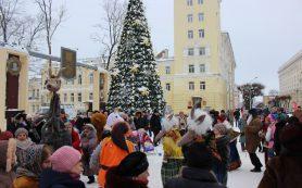 В центре Смоленска прошли массовые рождественские гуляния