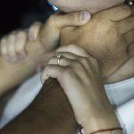 Смолянин едва не задушил жену на глазах у детей