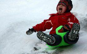 Смолянам рассказали, как правильно кататься со снежных горок