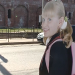 По Смоленску расставили картонных школьниц