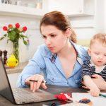 В Смоленской области мамы в декрете получат дополнительное образование