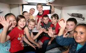 Многодетным смоленским семьям подарили скидку на билеты в поездах