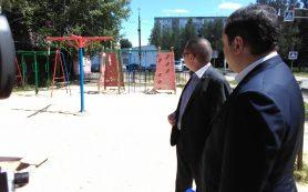 Губернатор поручил ужесточить контроль за состоянием детских площадок в Смоленске