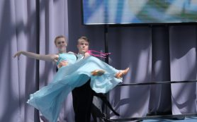 В Смоленске прошел выпускной бал для детей-сирот