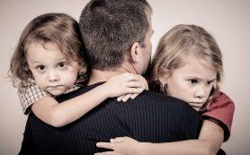 «Дочки обрели папу и переехали в Смоленск». Страшное несчастье сплотило семью