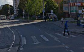 В Смоленске извращенец приставал к подростку на остановке