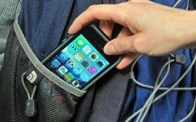 В Смоленской области «техничка» украла телефон у школьницы