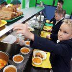 На бесплатное питание смоленских школьников в 2020-м планируют направить более 100 млн рублей