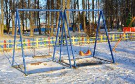 Губернатор поручил отремонтировать детскую площадку после жалоб смолян в соцсетях