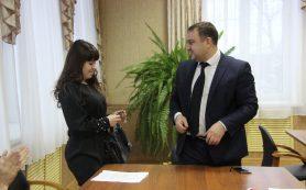 В Смоленской области дети-сироты справили новоселье