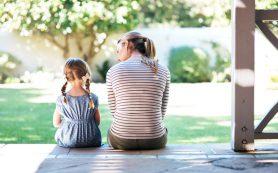 Как отвлечь ребенка, который не отходит от мамы: 10 идей