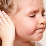 Отит у ребенка: как распознать