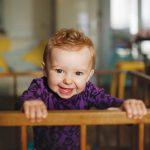 Детские вещи, на которые мамы зря тратят деньги: мнение врача