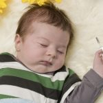 Грипп у новорожденных: как лечить гриппующих грудничков?