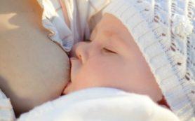 Кормление грудью в дальнейшем защитит детей от депрессии
